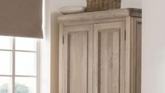 Heritage Bedroom Furniture - Wardrobes, Chest of Drawers, Bedside Tables, Ottomans & Bedsteads | Gordon Busbridge Furniture Store | Hastings, Eastbourne, Bexhill & Seaford