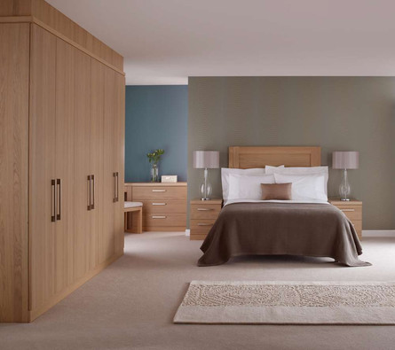 Hepplewhite Linear bedstead in Light Oak veneer