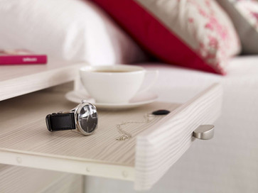 Hepplewhite Milan pull-out tray in White Ash