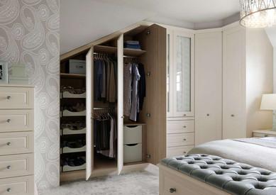 Hepplewhite Harewood wardrobes in Gardenia