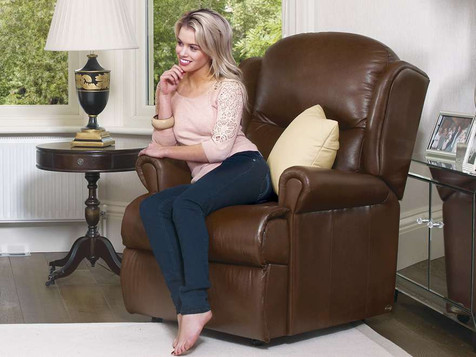 Sherborne Malvern Leather Manual Recliner Chair | Gordon Busbridge Furniture & Beds Store | Hastings, Eastbourne, St Leonards on Sea, Bexhill & Seaford