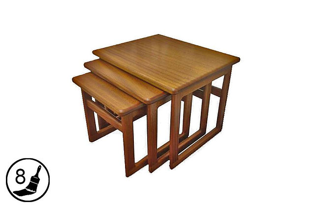 Hanley Large Nest of 3 Tables