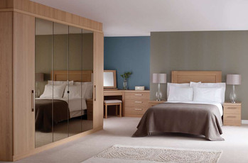 Hepplewhite Linear roomset  in Light Oak veneer