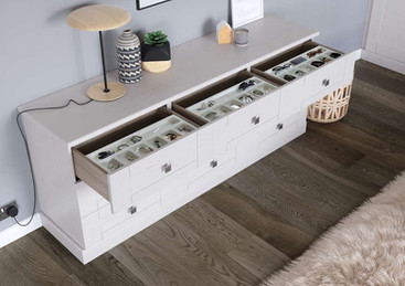 Hepplewhite Kingsbury chest with jewellery tray in White Ash
