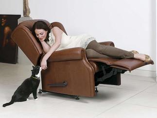 Sherborne Lynton Leather Recliner Chair | Gordon Busbridge Furniture | Hastings, Eastbourne, Seafrod, Bexhill, St Leonards on Sea