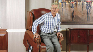Sherborne Claremont Leather Lift & Rise Recliner Chair | Gordon Busbridge Furniture & Beds Store | Hastings, Eastbourne, St Leonards on Sea, Bexhill & Seaford