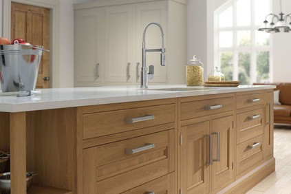 Marpatt Edwardian Collection - Regent Craft in Natural Oak and Block Painted Snowdrop (cameo)