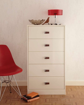 Hepplewhite Lustro chest of drawers in Frost White High Sheen