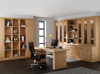 Hepplewhite Linear Home Office Roomset in Light Oak Veneer