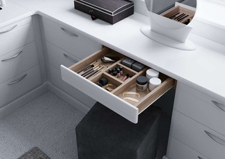 Hepplewhite Milan dressing table with cosmetic drawer in White