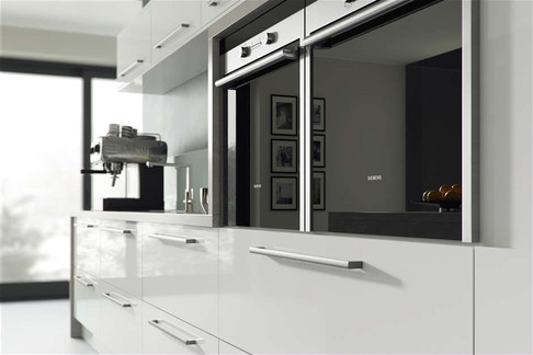 Marpatt Contemporary Collection - Orion in White (cameo)
