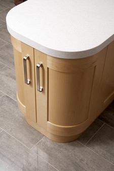 Marpatt Classic Collection - Monarch Maple curved door detail