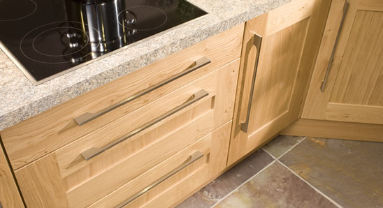 Marpatt Classic Collection - Mowbray in light Oak, drawer detail