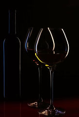 wine-bottle-wine-glasses-wine-ambience.j