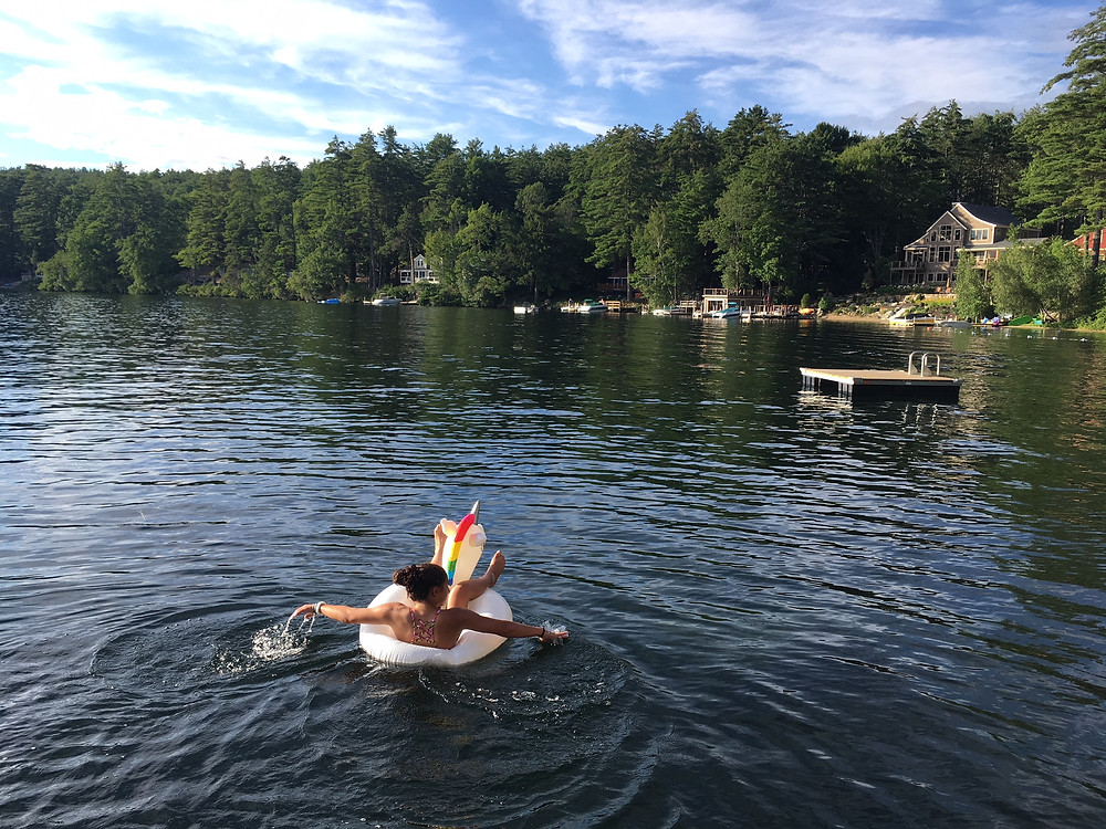 Fiona is having a one of a kind relaxing lake vaca!