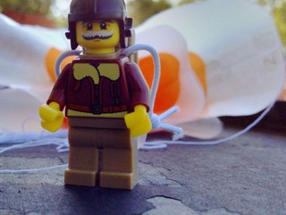 DIY 玩意學堂 「膠袋降落傘」