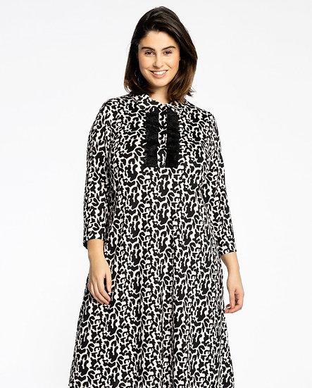 Loretta's favorite dress met roezel zwart