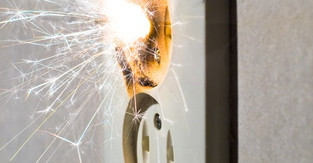 Home Electrical Problems: Know the Warning Signs