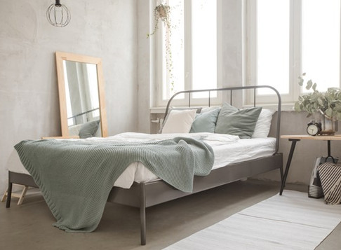 5 Simple Ways to Decorate a Small bedroom