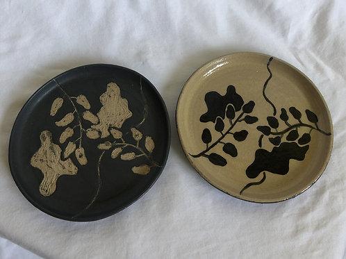 Ying Yang Plate Set