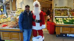 Père Noël dans les Halles de Montmartre au 13 rue du Poteau