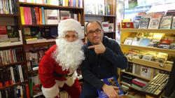 Père Noël avec Olivier dans la Librairie L'humeur vagabonde au 44 rue du Poteau