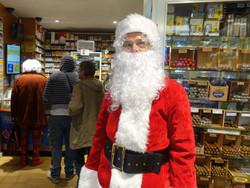 Père Noël chez Le Reinitas Presse Tabac - 18 rue du Poteau