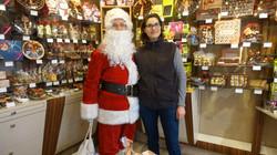 Père Noël avec Bilitis de Chocolats De Neuville - 123 rue Ordener