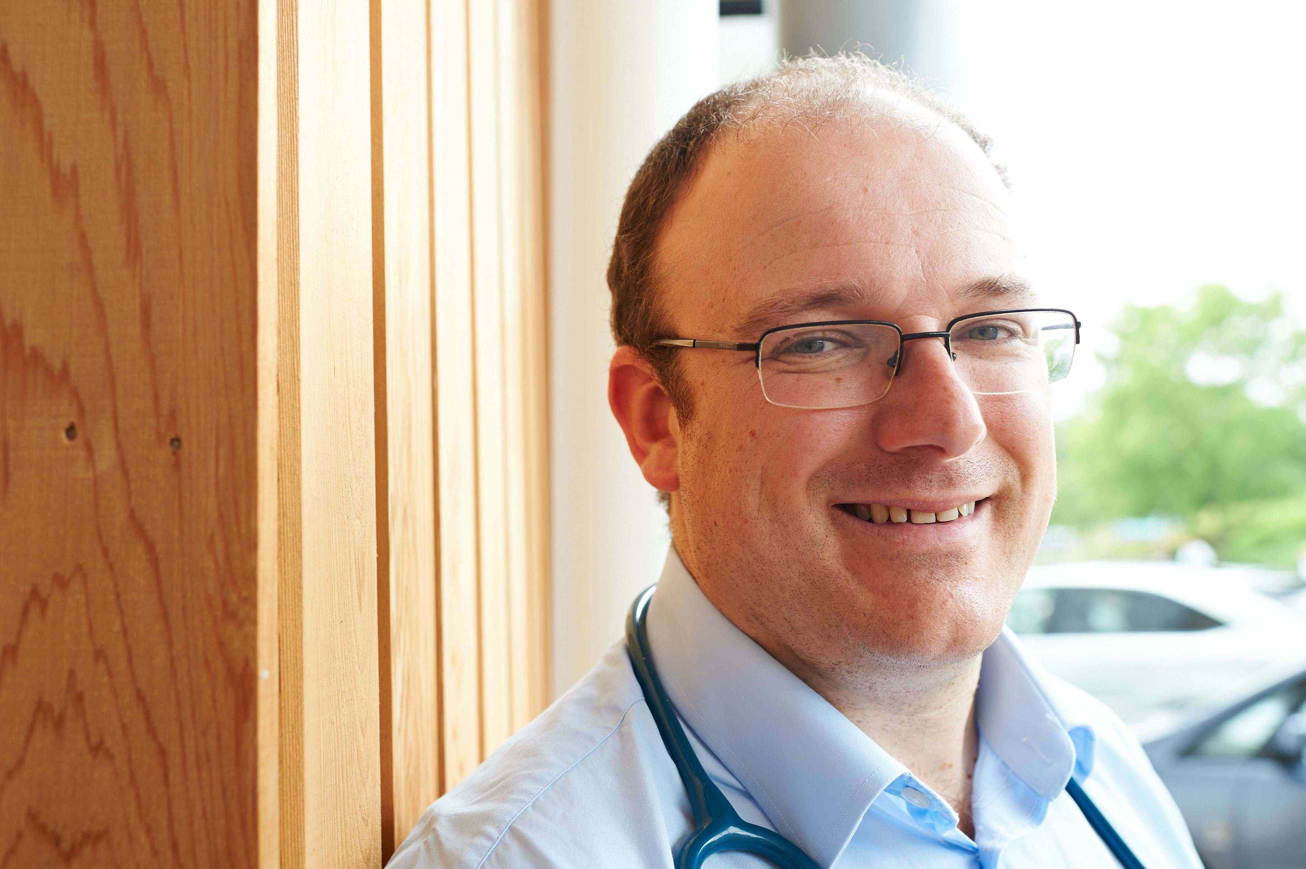 Pediatric Allergy Doctor in Dubai - Dr David Cremonescini