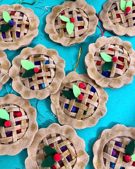 Mixed Berry Pie Ornament Kit (Set of 2)