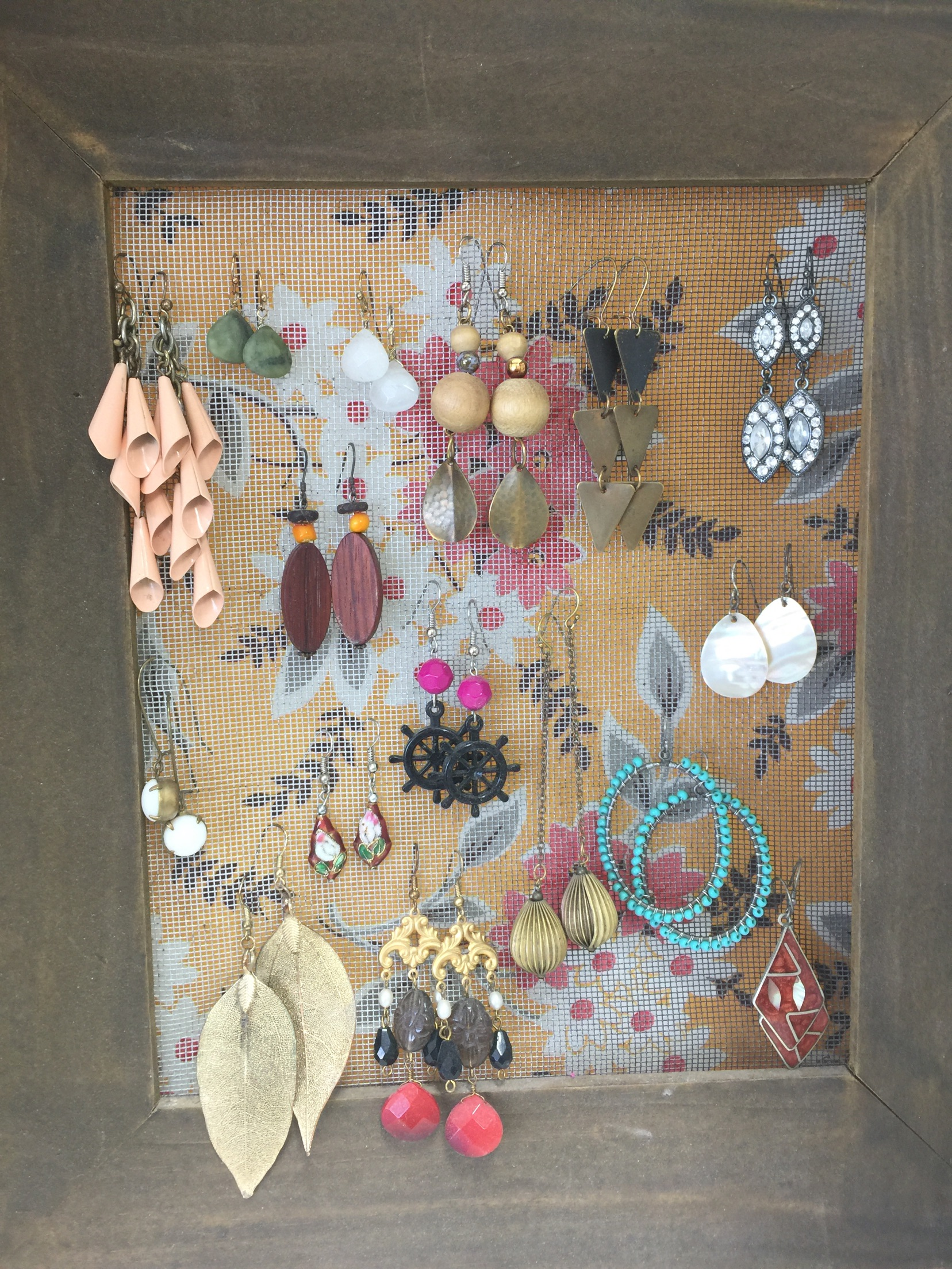 Upcycled Frame Earring Holder