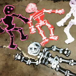 Articulated Paper Skeletons