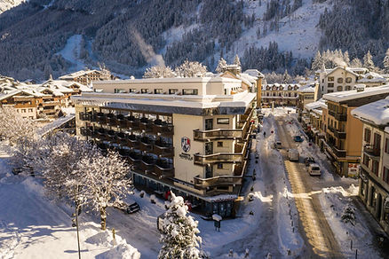 Photographe Megève et Chamonix, Hotel Pointe Isabelle Chamonix par drone
