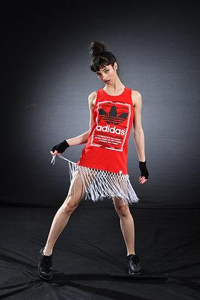 שמלת אדידס אדומה