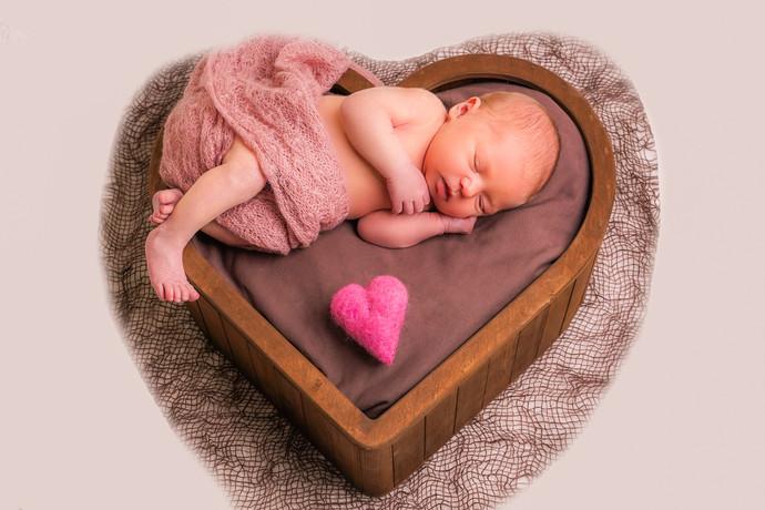 Newborn 121-2.jpg
