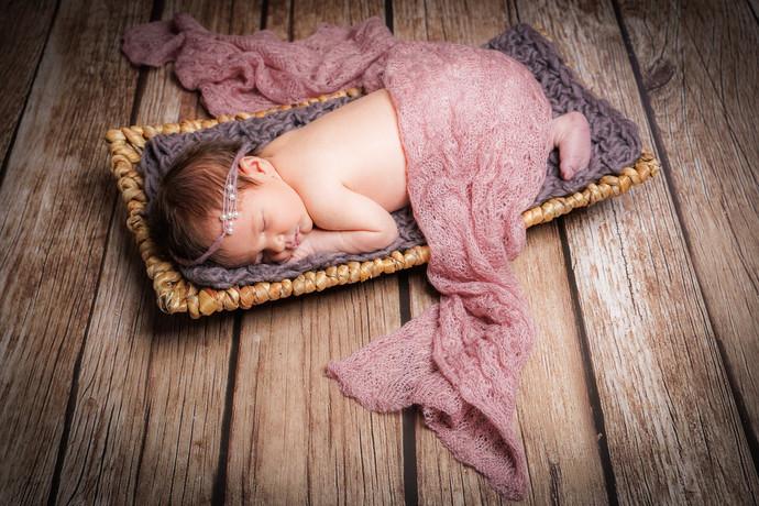 Newborn-8.jpg