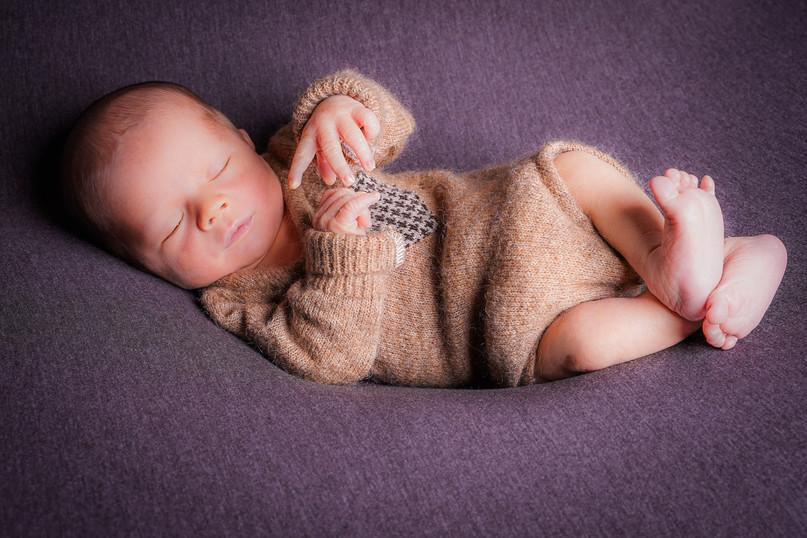 Newborn-1-7.jpg