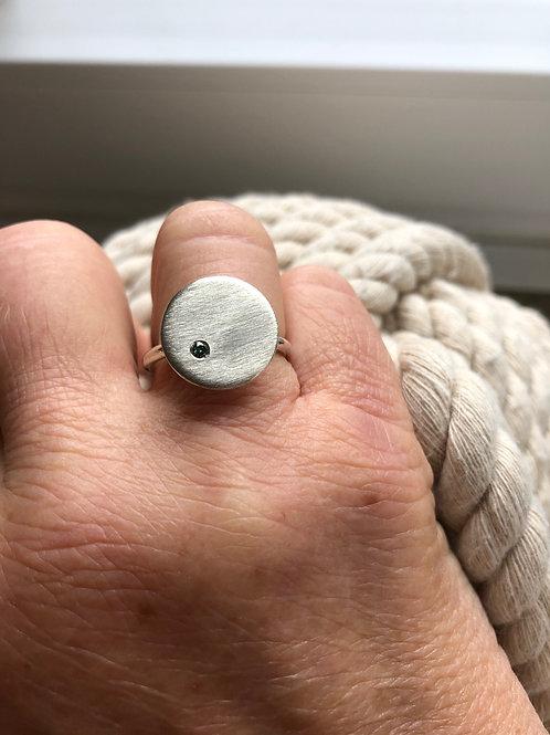 Ring - Silber / blauer Brilliant