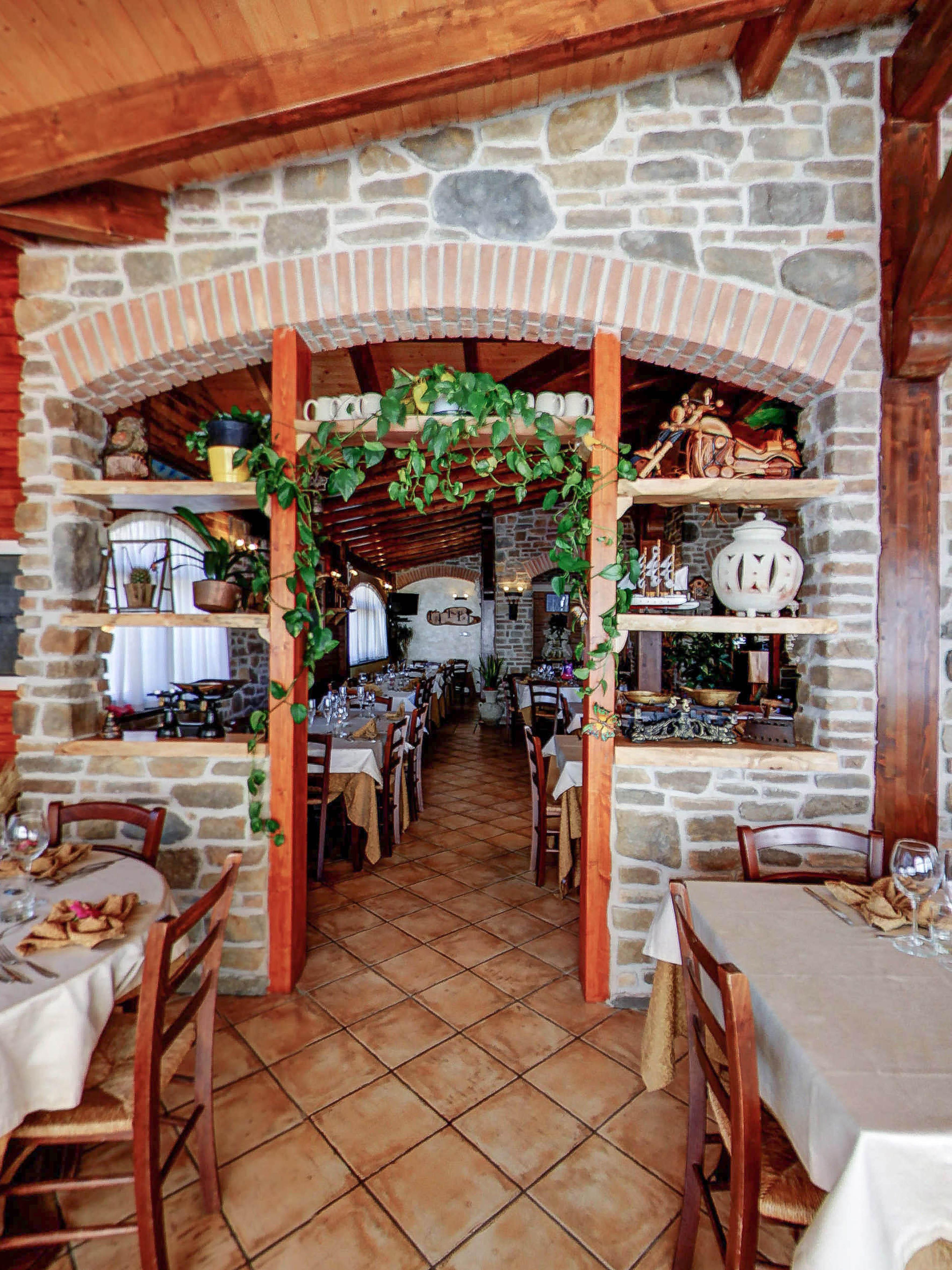 restaurant3_0.jpg