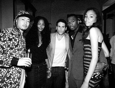 またニューヨークに居た7年間の間にバスケットボールと平行してモデルとしても活躍する。2007年「Buttafly Unlimted S/S Collection」にモデルとして出演。 2007年アメリカのヒップホップ アーティスト「50セント」が手掛けるブランド「Gユニット」のショーにモデルとして出演。2007年「BROOKLYN FASHION WEEK END」にモデルとして出演。 2008年カリビアンブランド『Color Heritage』にモデルとして出演。