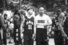 何の伝手も状況でストリート(公園)バスケからスタートし2006年、独立プロリーグEBAのトライアウトを経て、独立プロリーグのEBA(イースタン・バスケットボール・アリランス)のハリスバーグ・ホライズンと契約しリーグ優勝をする。同年の夏にニューヨークで最も権威のあるストリートの大会(EBC,W4ST,KINGDOME,TRI-STATE)に次々と出場し活躍。翌年2007年に独立プロリーグUSBL(ユナイテッド・ステイト・バスケットボール・リーグ)のロングアイランドプライムタイムと契約し活躍。2008-2011年の間、独立プロリーグとニューヨークのストリートバスケの違いの無さに気づき数々のストリートバスケットボール大会に出場。日本人で最も多い世界最高峰のNYのストリートバスケットボール大会に計350試合以上。ニューヨークの数々の大会で計4000点以上の得点を上げる。2011年 日本人で初 ハーレム・グローブトロッターズHarlem Globetrottersのキャンプに参加。