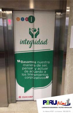 IMPRESION VINIL ASCENSOR LIMA PERU