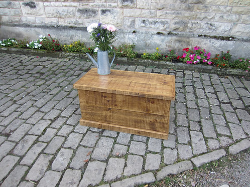 Rustic blanket box