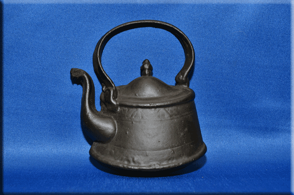Tea Kettle, flat back (wall hanging)
