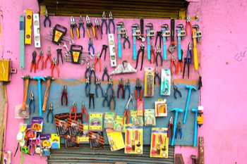 MAKE SURE YOU HAVE GOT THE RIGHT TOOL FOR THE JOB