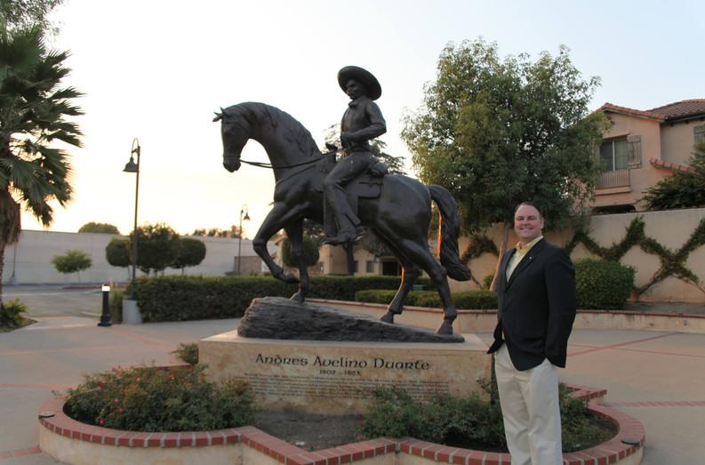 Andres Duarte Statue