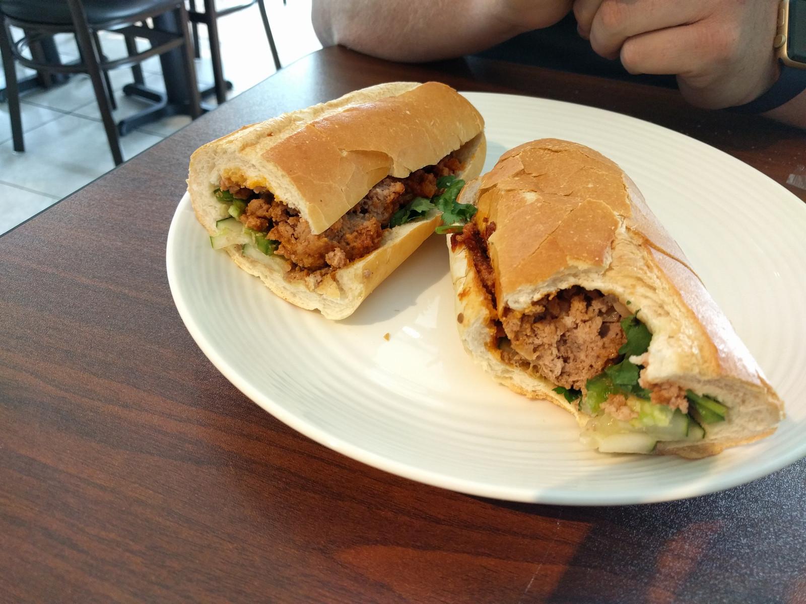 meatball sandwich banh mi - Les Kitchen