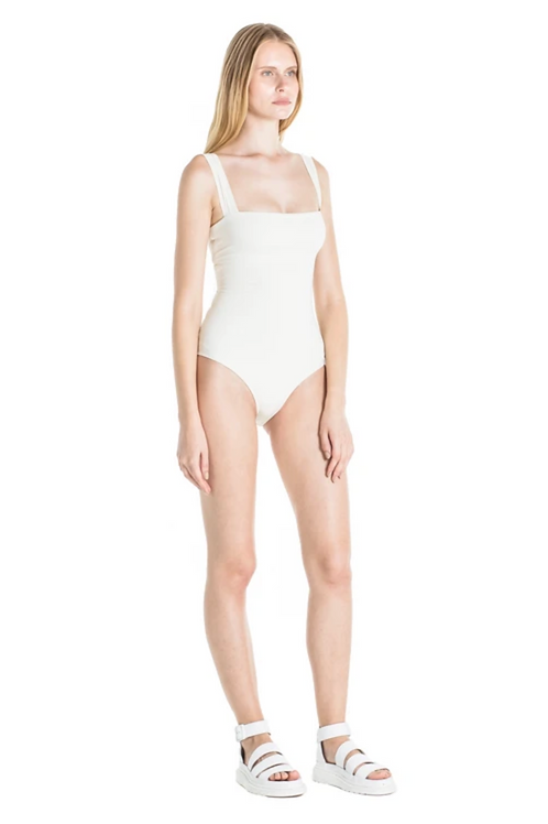 DONATELLA ONE PIECE