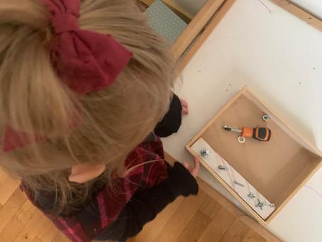 """Activité """"visser/dévisser"""" - DIY Montessori"""
