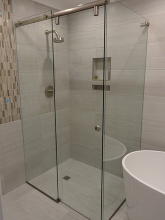 Square showerscreen with hydro-slide system brisbane